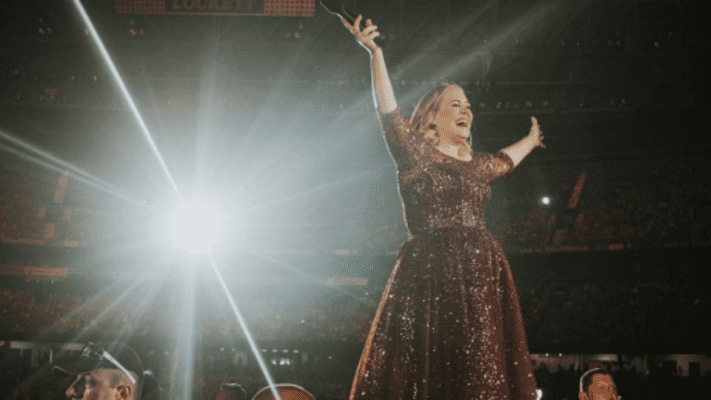 Adele helps fan propose in front of nearly 100,000 concert goers